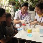 (12 มิถุนายน 2558 ) ตรวจหาสารพิษในเด็ก โรงเรียนบ้านชายทะเลบางกระเจ้าและ โรงเรียนวัดเจริญสุขาราม จ.สมุทรสาคร